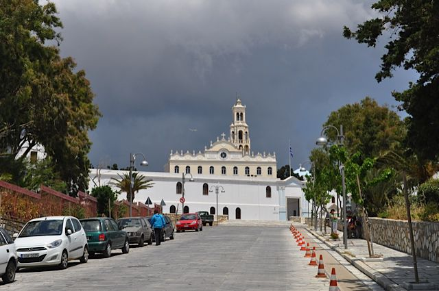 Click for popup of 51-tinos-church.jpg