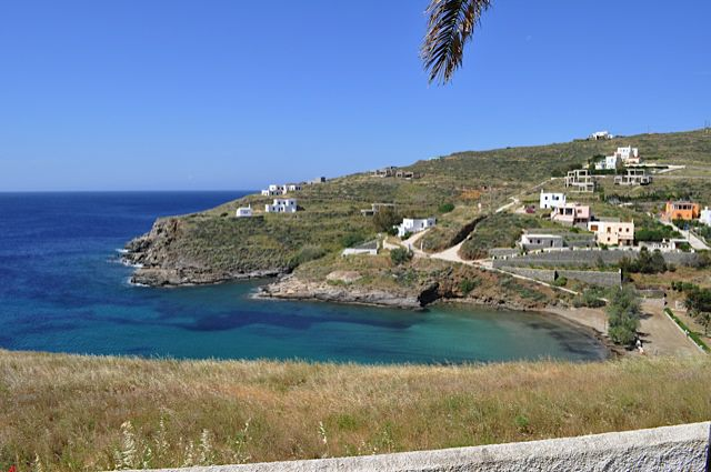 Click for popup of 54-ambela-beach-syros.jpg